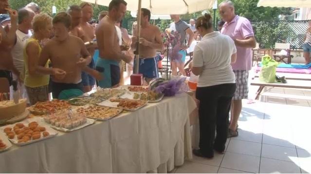 Hotel Gaby: vacanza frizzante con l'aperitivo in piscina